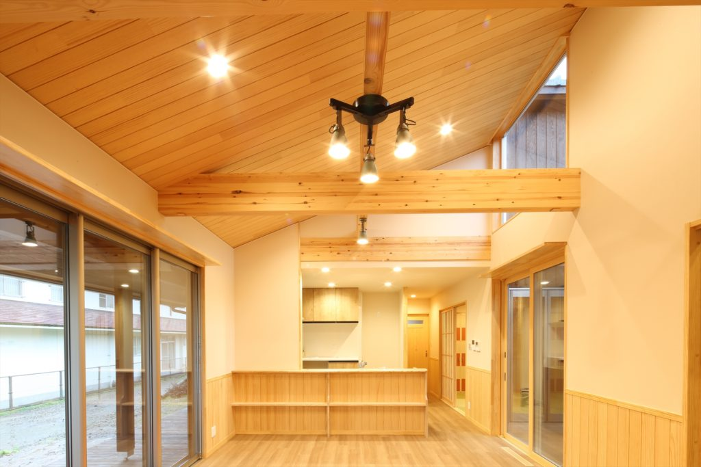 勾配天井と構造材