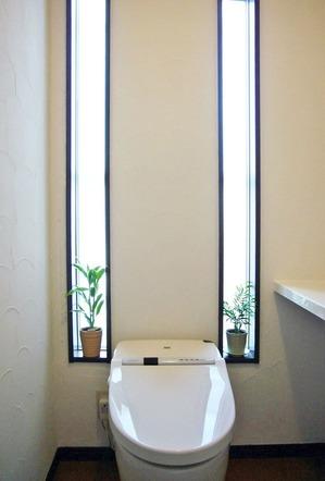 トイレのFIX窓